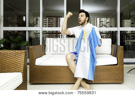Argentine fan celebrates at home