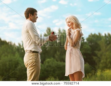 Love, Relationship, Couple, Wedding, Romantic Man Proposing To A Woman In The Park