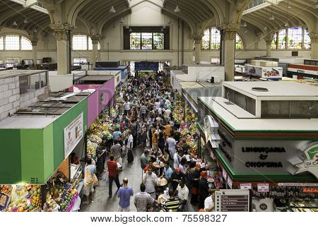 SAO PAULO, BRAZIL - CIRCA MARCH 14: Municipal Market (Mercado Municipal) in Sao Paulo. More than 1,500 people works together to handle about 450 tons of food per day in its more than 290 boxes.