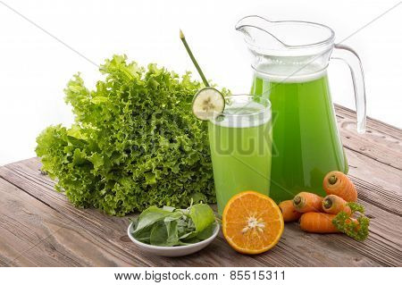 Carrot, Lettuse And Spinach Mix Juice