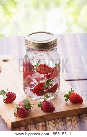 Strawberry Infuse Water