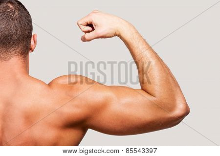Showing His Perfect Bicep.