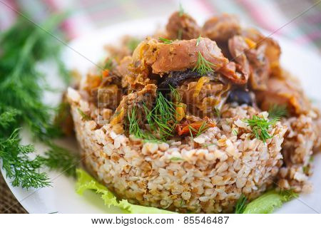Boiled Buckwheat With Stewed Chicken Gizzards