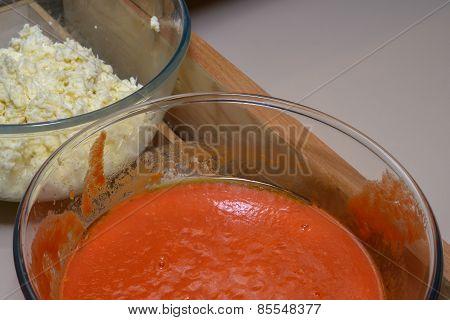 Mozarella And Tomato Souce