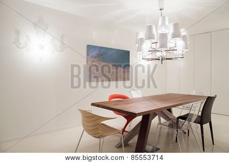 Designed Pendant And Chairs