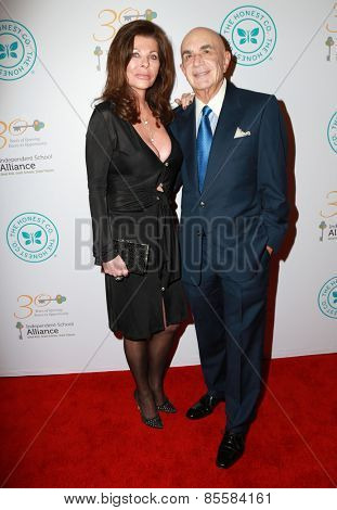 LOS ANGELES - MAR 17:  Robert Shapiro at the 2015 Impact Awards Dinner at the Beverly Wilshire Hotel on March 17, 2015 in Beverly Hills, CA