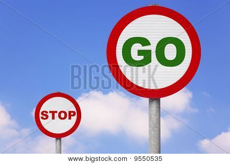 Round Roadsigns With Go And Stop On