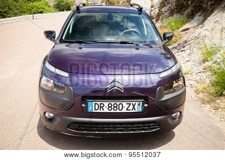 Dark Purple New Citroen C4 Cactus, Front View