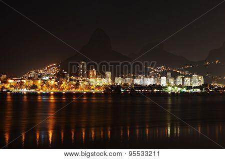 Night On Lagoon Rodrigo De Freitas (lagoa), Rio De Janeiro