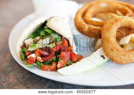Chicken Pita with Onion Rings