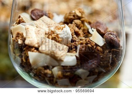 Muesli - Healthy Diet For The Strong People