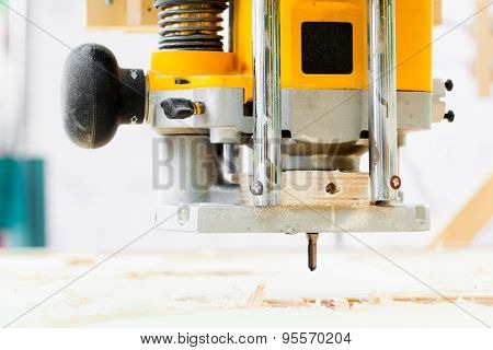 wood milling machine in action
