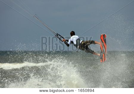 Kiteboard Action