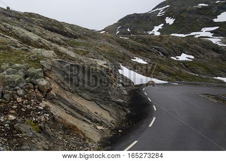 This is a sharp turn on a mountain road serpernine.