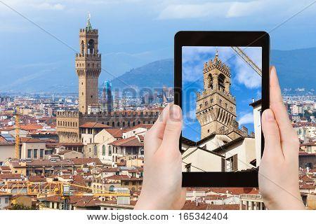 Tourist Photographs Tower Of Palazzo Vecchio