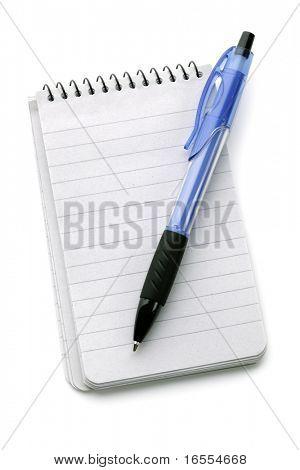 Kugelschreiber auf ein leeres Notizbuch, isolated on white