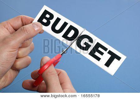 Tesoura corte o conceito de orçamento de palavra para crise de recessão ou de crédito