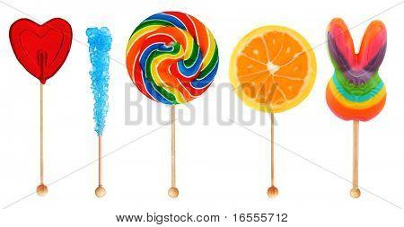 bunte süße Lollipop Süßigkeiten hintereinander isoliert auf weiss