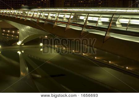 futuristisch Brücke