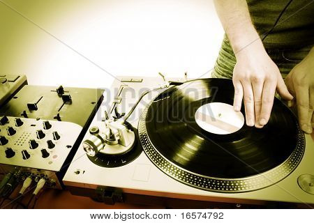 DJ disco house progressieve electro muziek spelen