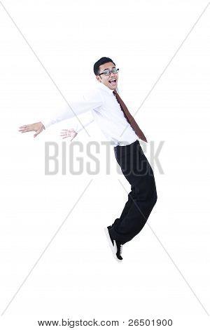 Feliz empresário asiático dançando