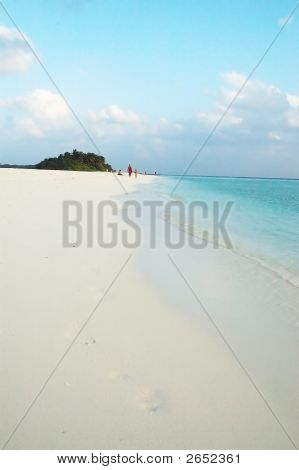 Beach of Kuramathi Island maldives.