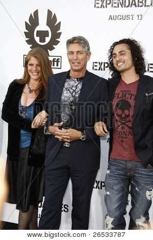 LOS ANGELES - AUG 3: Eric Roberts, wife Eliza, stepson Keaton Simmons at the Screening of 'The Expendables' held at Grauman's Chinese Theater on August 3, 2010 in Los Angeles, California