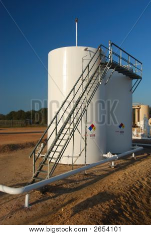 Storage Tanks With Catwalk
