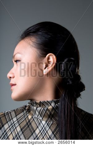 Look To The Side - Fashion Series