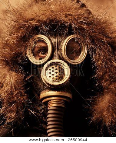Man in respirator