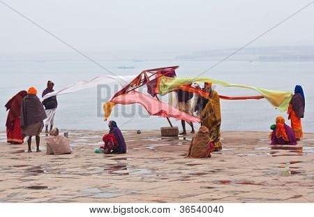 hindu pilgrims in Varanasi, India