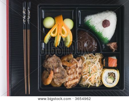 Teppanyaki Lunchbox With Chopsticks