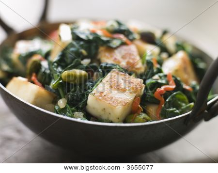 Karai Dish With Spinach And Fried Paneer