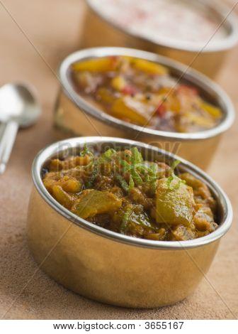 Kalk Pickle mit Mango-Chutney und raita