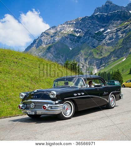 SCHWAEGALP - JUNE 27: The Buick Imperial leaving the 7th International