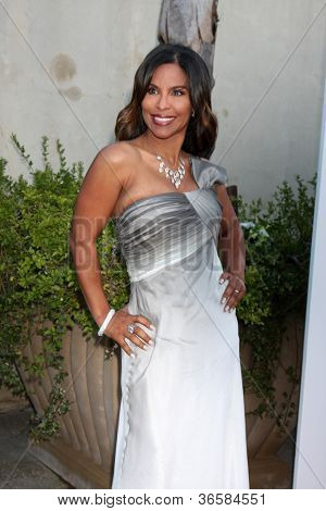 LOS ANGELES - JUL 24:  Dr. Susan Evans arrives at  the 12th Annual HollyRod Foundation DesignCare Event at Ron Burkle's Green Acres Estate on July24, 2010 in Beverly Hills, CA ....