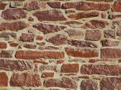 pic of fieldstone-wall  - stone wall with glossy finish - JPG