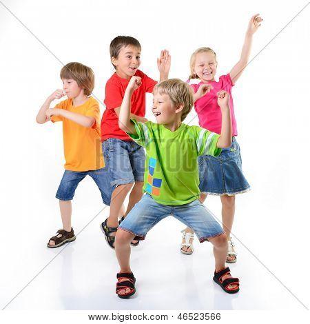 crianças felizes, dançando sobre um fundo branco, vida saudável, o conceito de felicidade e União do miúdo