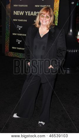 """LOS ANGELES - DEC 05:  PENNY MARSHALL arriving to """"New Year's Eve"""" World Premiere  on December 5, 2011 in Hollywood, CA"""