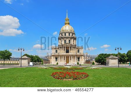 Paris. St.louis Cathedral