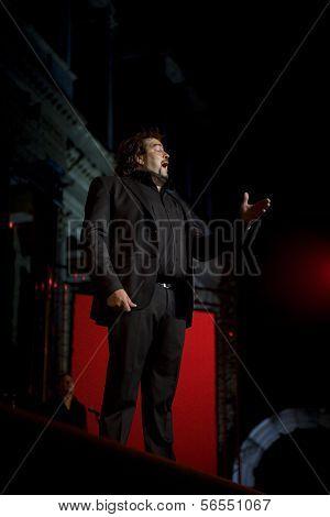 Miguel De Tena, Flamenco Singer