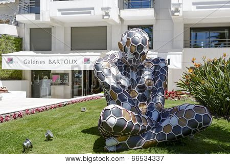 Trans-mutazione, Sculpture, Exposition In Cannes
