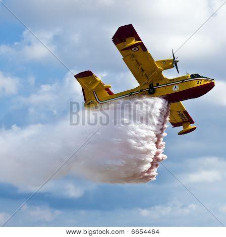 Bombardier 415 Superscooper