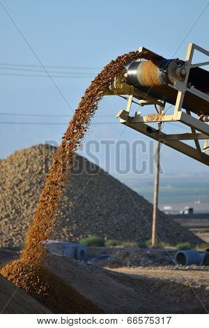 Conveying Construction Material