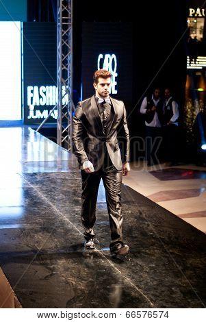 Fashion Show For Maximus Fashion Model 09