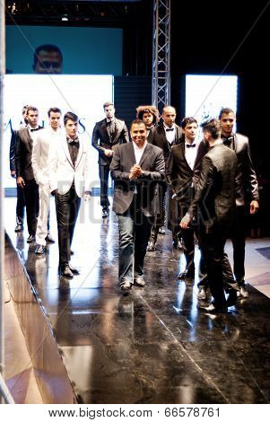 Maximus With Models At Fashion Show For Him