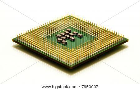 CPU microprocesador aislado en blanco