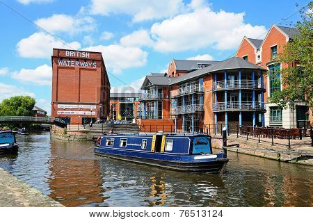 Narrowboat on Nottingham canal.