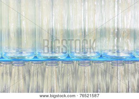 Industrial conveyor of glasswares