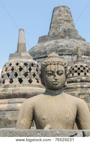 Boeddha statue at Borobudur temple